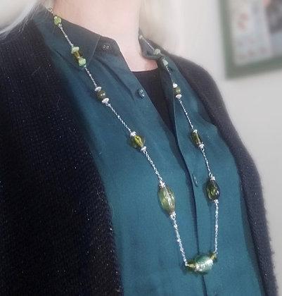 Copie de Collier long chaîne/grosses perles vert/argenté 2