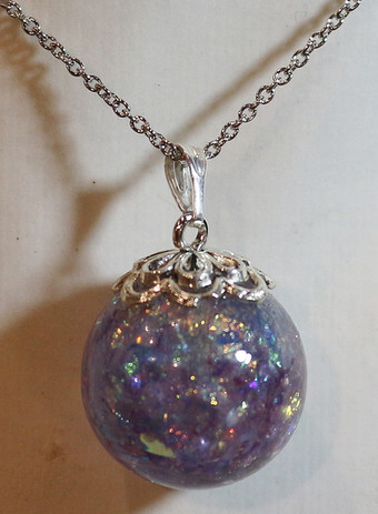 Sphère violette