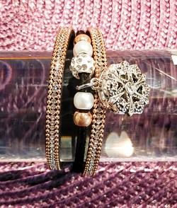 Bracelet noir bouton pression