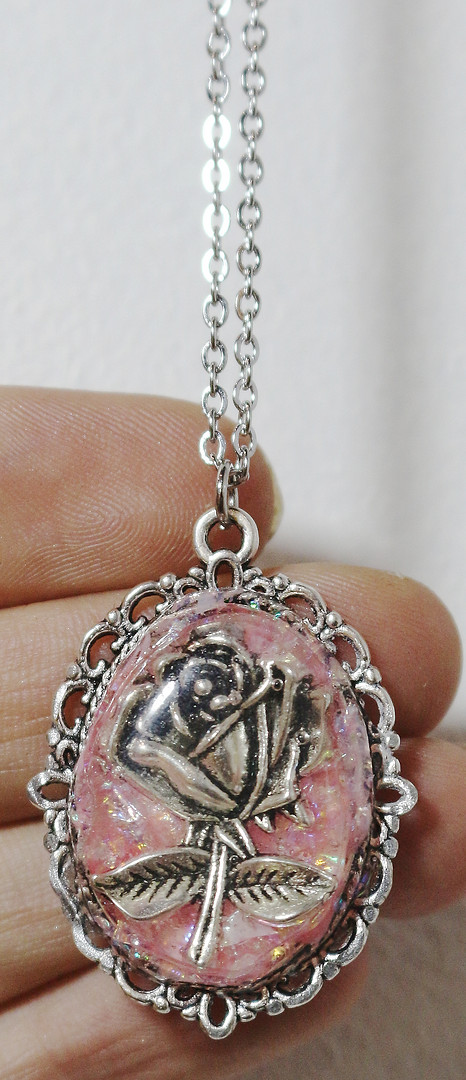 Médaillon rose
