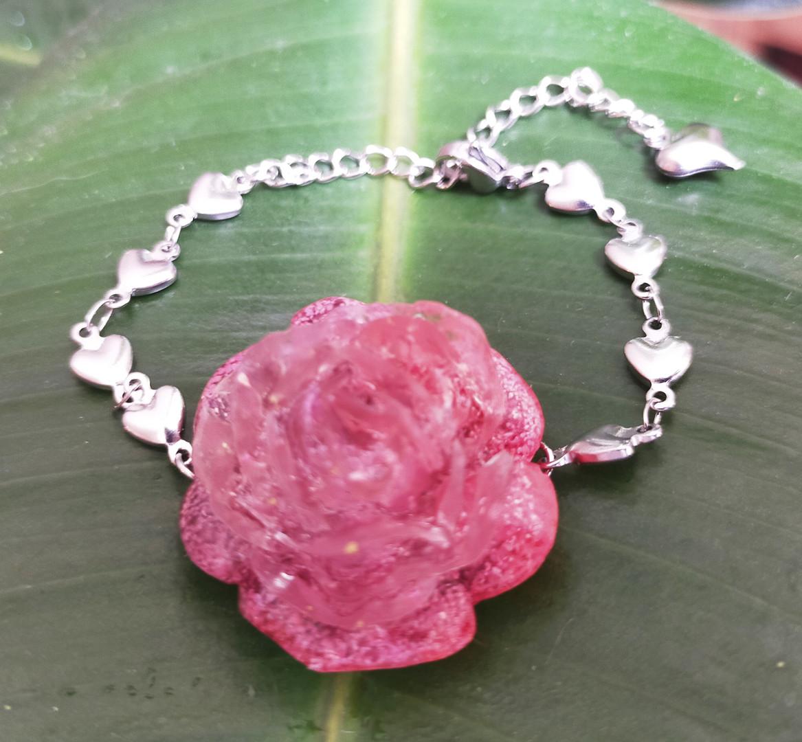 Bracelet rose en résine et encres