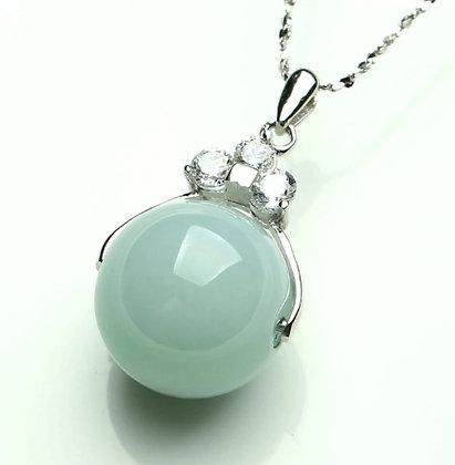 Pendentif en perle de Jade en argent