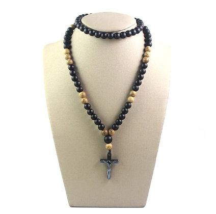 Collier avec pendentif croix en hématite