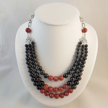 Collier triple obsidienne/corail rouge