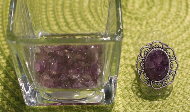 Bagues rondes pierres violettes