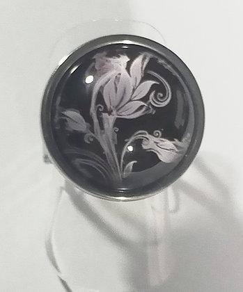 Bague réglable ronde noire fleur blanche