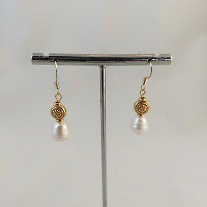 Boucles d'oreilles perles de culture d'eau douce/doré