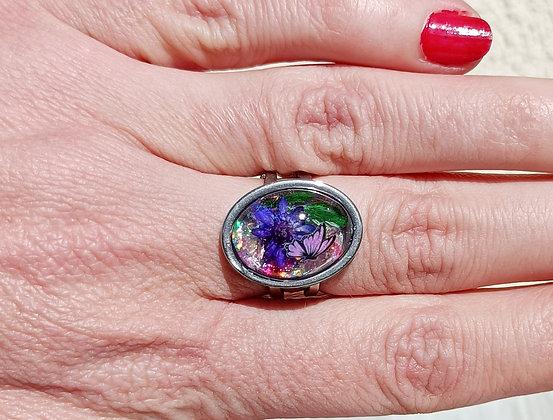 Bague résine ovale argenté fleur ton violet #19