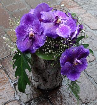 Urnengesteck mit Wanda - Orchidee.JPG
