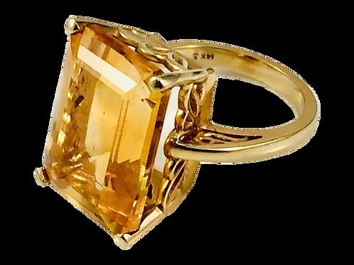 Ladies 14K Yellow Gold Ring w/Golden Emerald Cut Stone - 8.5g - Size 6