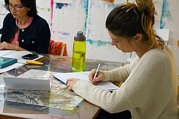 participante s'exprime par l'écriture à L'Infusart