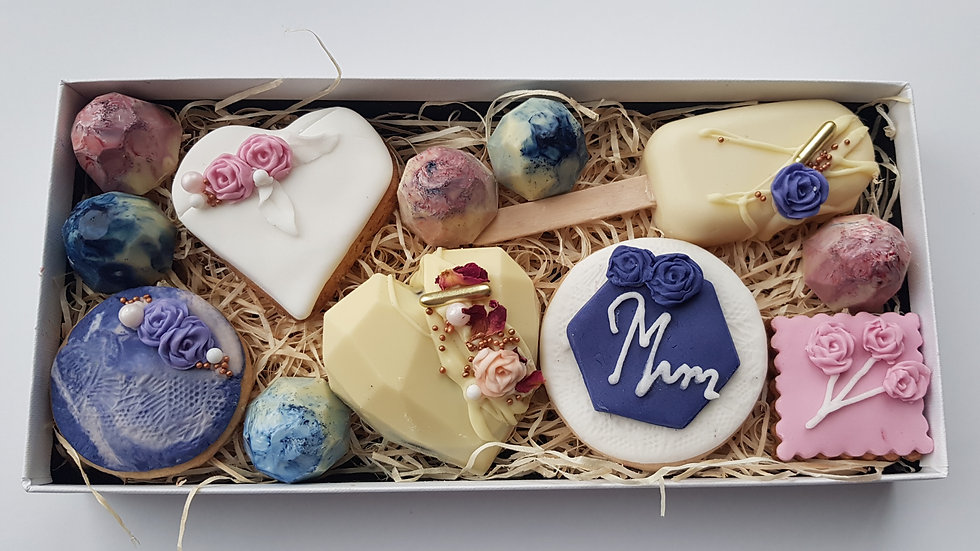 Mother's Day Luxury treat box - blue