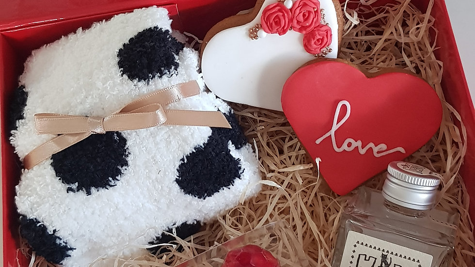 Love is all you need hamper