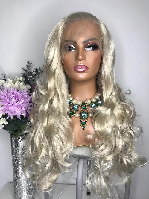 amina blonde