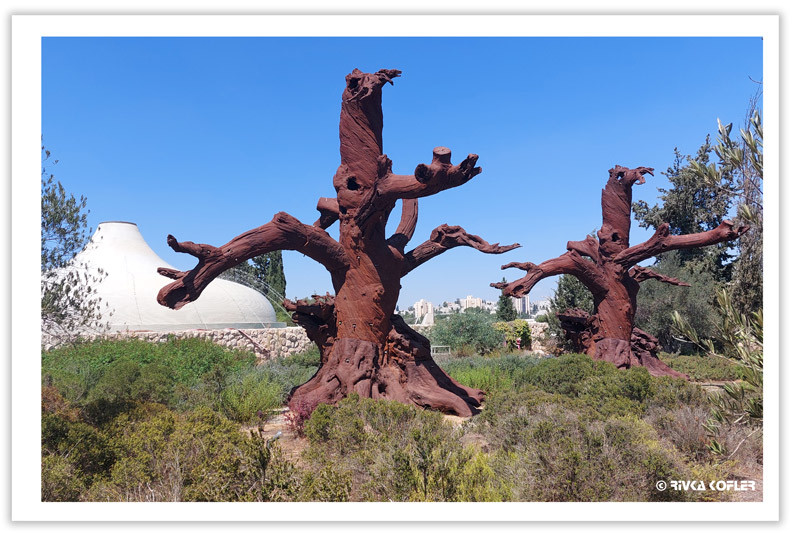 פסלי עצים של איי ווי ויי