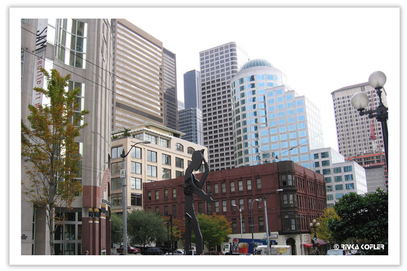 בניינים גבוהים, פסל, סיאטל