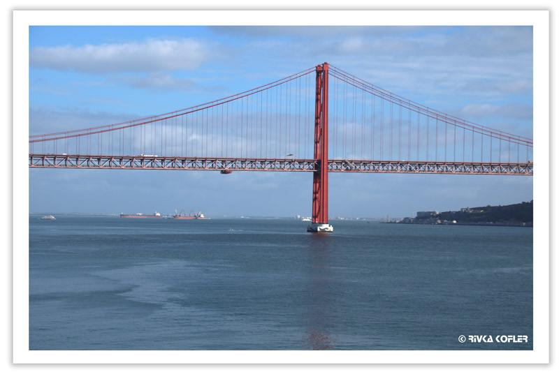 גשר מיתרים אדום על נהר הטז'ו, ליסבון