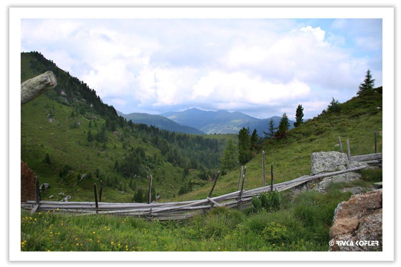 תצפית אל עבר ההרים