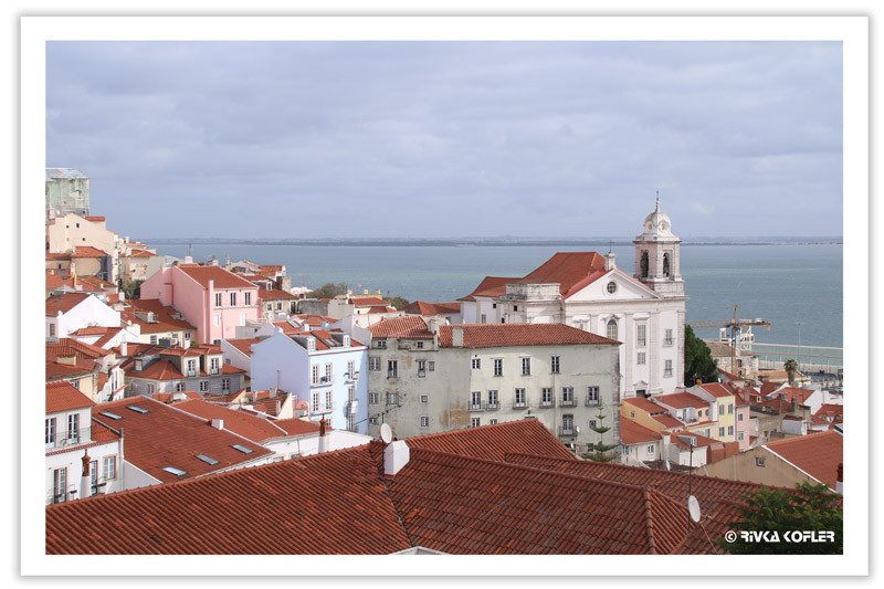 הגגות האדומים של ליסבון