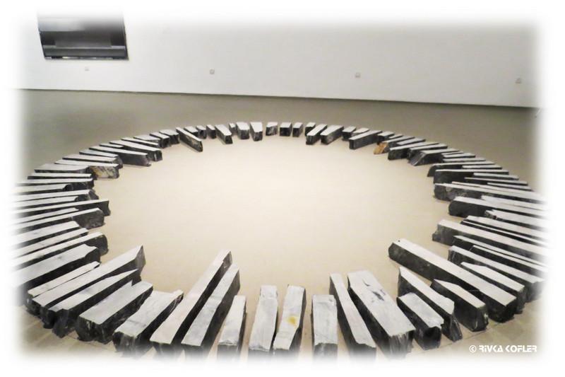 מעגל במוזיאון תל אביב