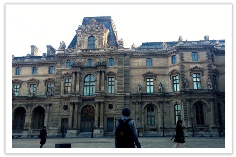 רוני בפריז