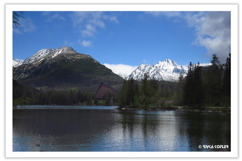 אגם, מלון, הרים מושלגים