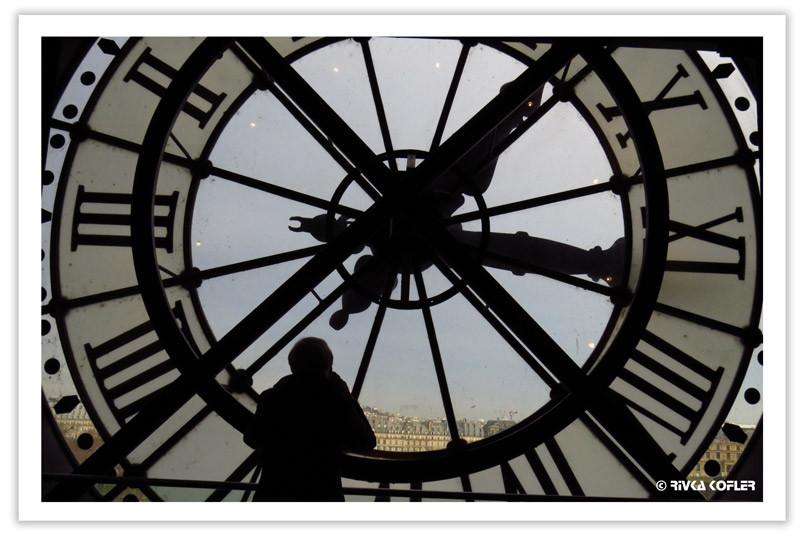 שעון שהוא גם חלון