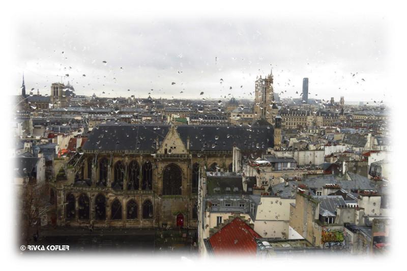 פריז בגשם