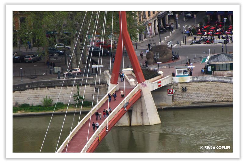 גשר אדום להולכי רגל, ליון