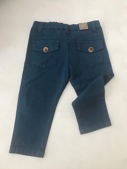 Calça azul com bolsos