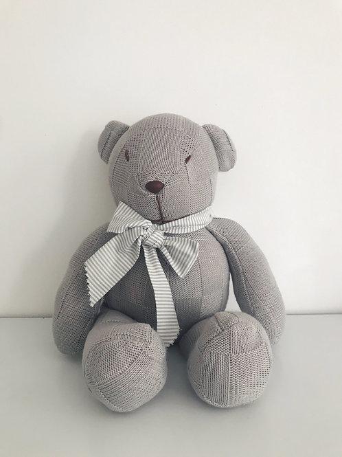 Urso tricot cinza grande