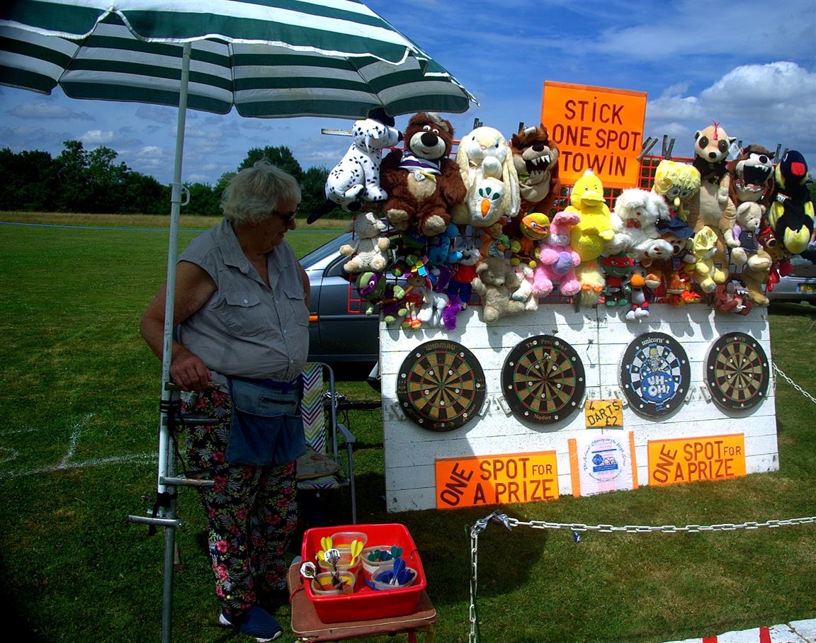 Darts at Bedfield Fete