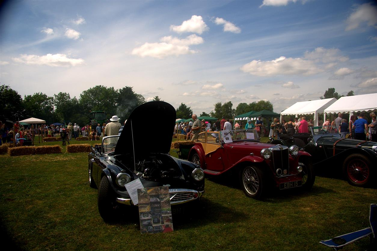 Bedfield Fete Vintage Car