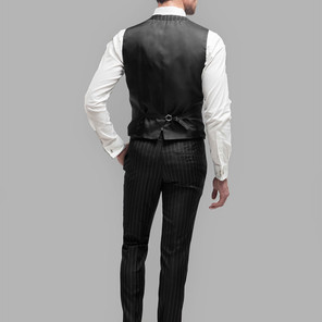 Style B1: Lining back with buckle.