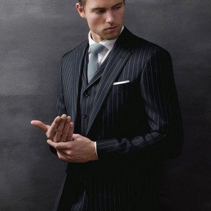 Single breasted, notch lapel