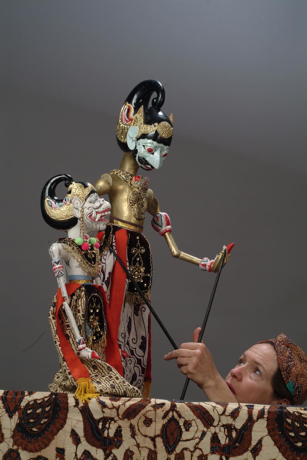 The Wind god will help Hanuman cross the sea to Alenka