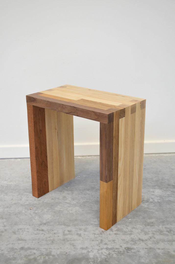 stool_1.jpg