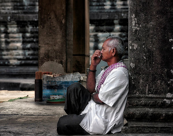 06-Angkor Wat Contemplation..jpg