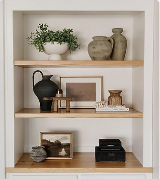 Styling Bookshelves: 5 Pro Tips to Make It a Total Wow Factor
