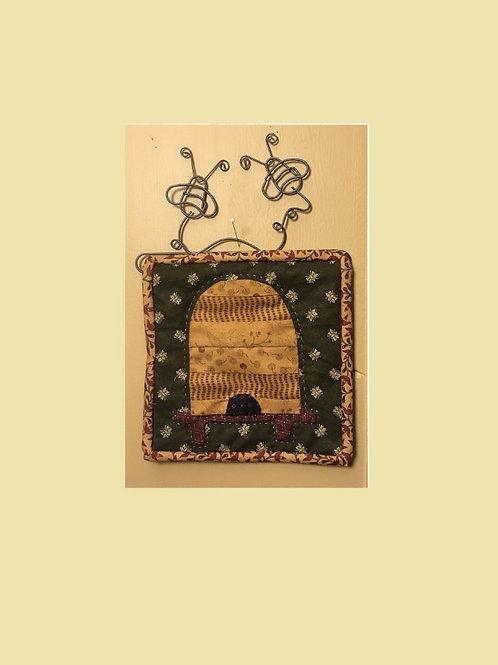 Beeskep Mini Quilt Kit w/hanger