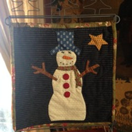 Frosty's Friend Mini Quilt Table Stand pattern