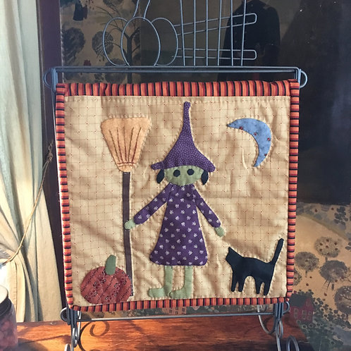 Wendy the Witch Tablestand Quilt