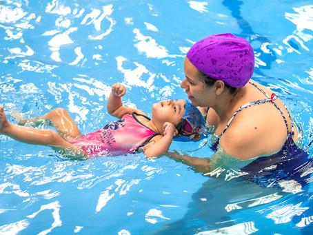 5 benefícios da natação infantil para a saúde do seu filho