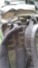 6 Bolso em relevo na tampa com passadore