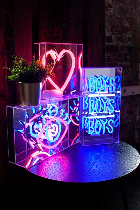 neon light peep show