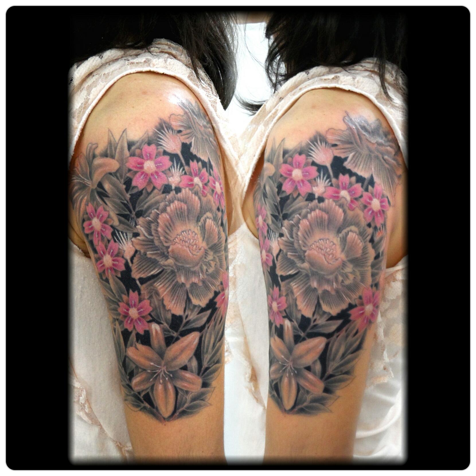 flores+sombreada+fechamento+braço+mrpaul+ribeirao+preto+tattoo+dermographic