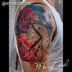 Relógio_com_rosas_braço_tattoo_mrpaul_dermographic_ribeirão_preto