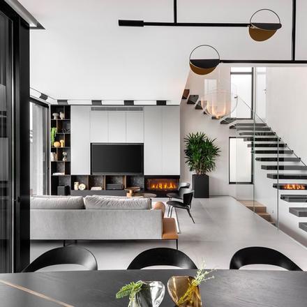 LV HOUSE