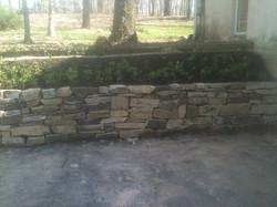 Fieldstone gravity wall