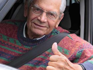 2013 waren 32,2 Prozent der Neuwagenkäufer über 60 Jahre alt. Aber nur 27,4% 45 minus!